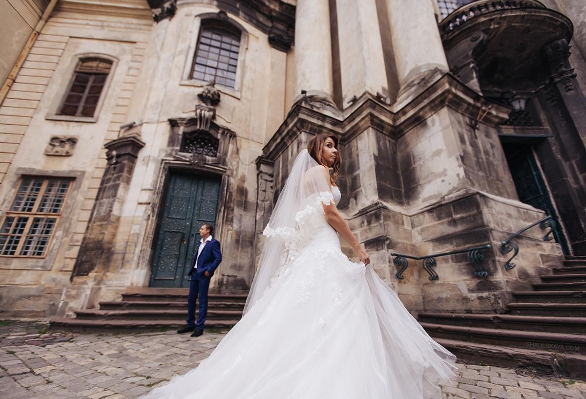 весільний фотограф в Европі виїзд зі Львова гори Карпати Карпаты Межигорье Синевирфото
