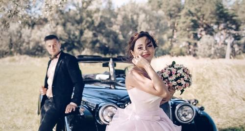 аренда авто на свадьбу молодые пудровое свадебное платье Харьков фото