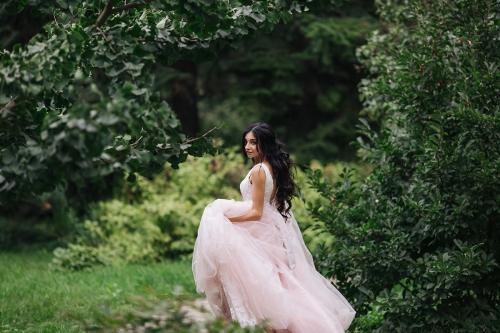 розовое пудровое свадебное платье фото