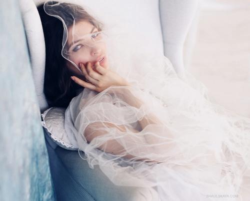 будуарные сборы невесты фотосессия в белье свадебное платье фата Харьков фото