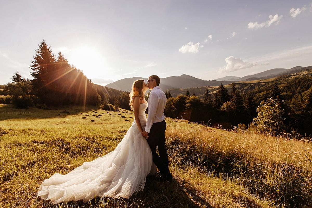фотосессия в Закарпатье Межигорье свадьба в горах фотограф Шаульская фото
