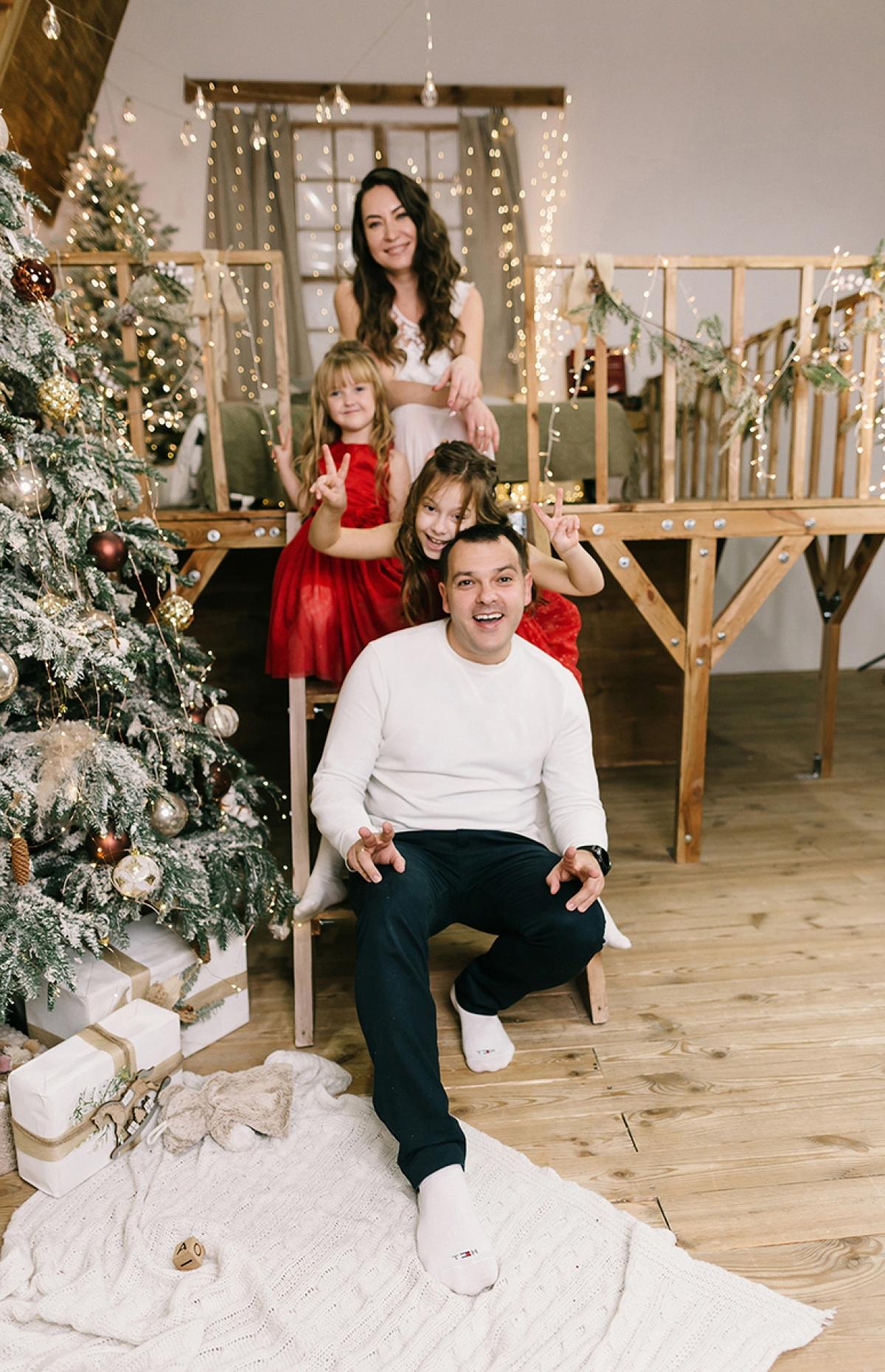 Семейная фотосессия в студии Харьков фото